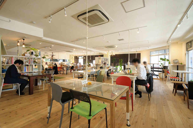 コワーキングスペース、シェアオフィスってどうなの? CASE Shinjukuを借りて、普通の事務所と比べてみた。